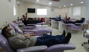 کادر درمان برای اهدای خون به میدان می آیند