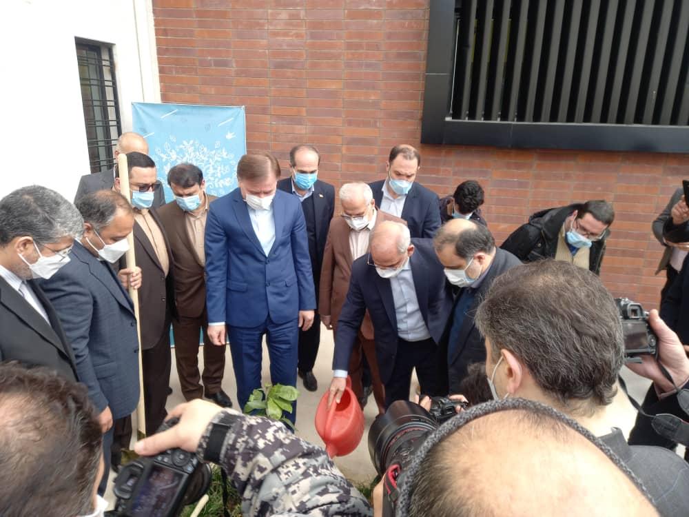 افتتاح مدرسه حجتی در رشت