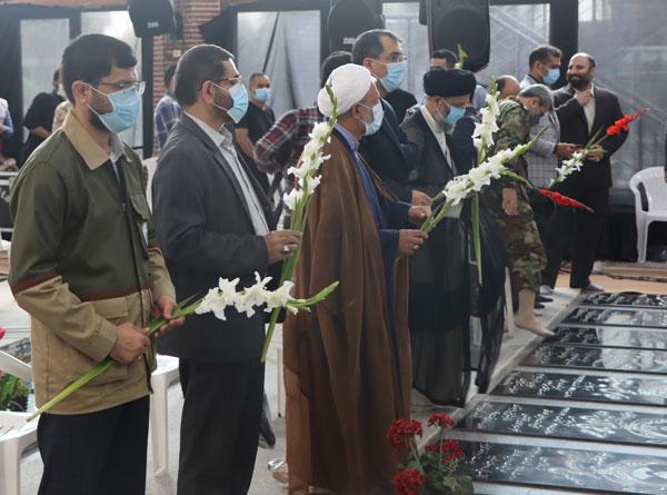 ادای احترام به مقام شامخ شهیدان